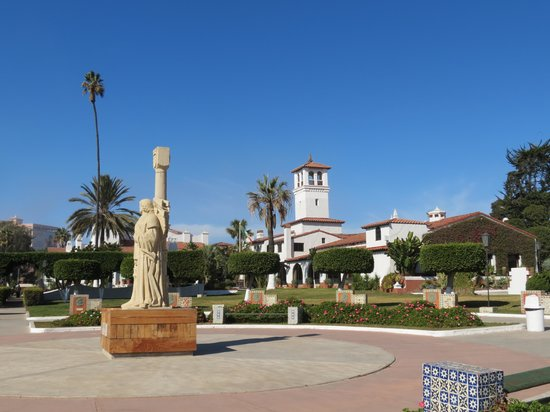 Cultural Center of Ensenada: beautiful grounds