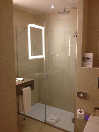 Le Relais des Halles : Salle de bain chambre confort