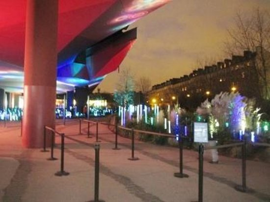 Musee du quai Branly - Jacques Chirac: 中庭