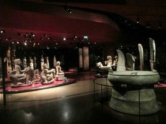 Musee du quai Branly - Jacques Chirac: 仏像