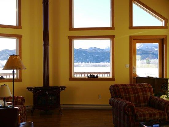 Takhini River Lodge: 共有スペース