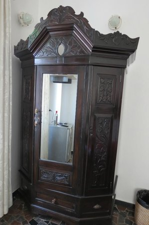 WelcomHeritage Panjim Peoples: some of the antique furniture