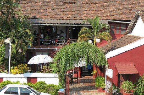 WelcomHeritage Panjim Peoples: Panjim Inn Verandah Cafe