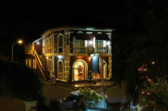 WelcomHeritage Panjim Peoples: panjim Peoples by night taken from the Panjim Inn restaurant