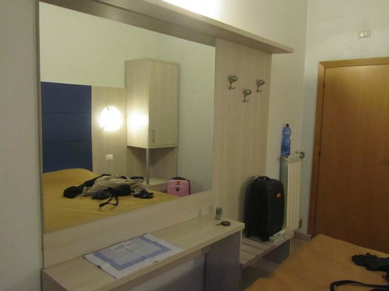 Hotel Marechiaro: Комната