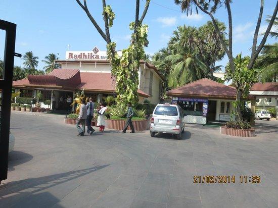 Radhika Beach Resort: Compound Area