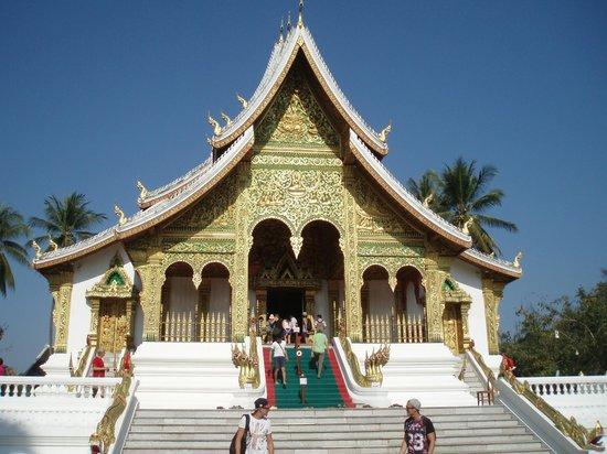 Royal Palace Museum: Pha Bang Buddha pavilion