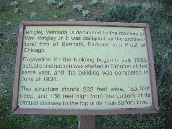 Wrigley Memorial & Botanic Garden: Wrigley Memorial entry sign