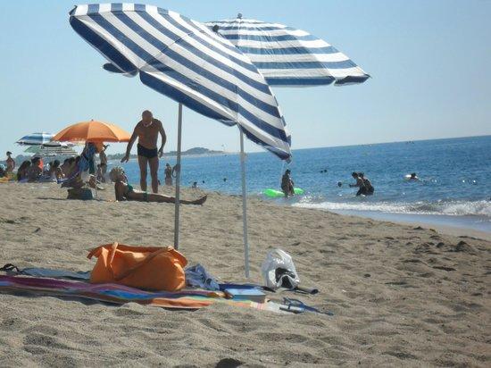 Sumus Hotel Monteplaya: Pláž