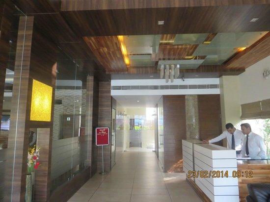 Le Grande Residency : Reception Area