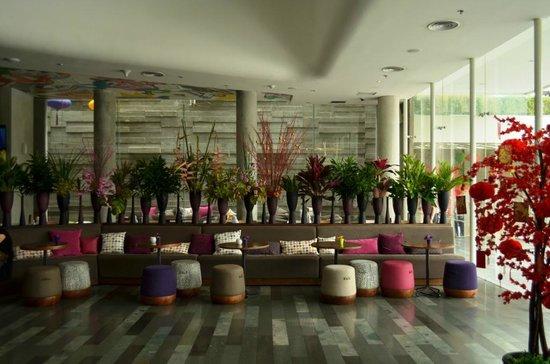 ARTOTEL Thamrin - Jakarta: Lobby