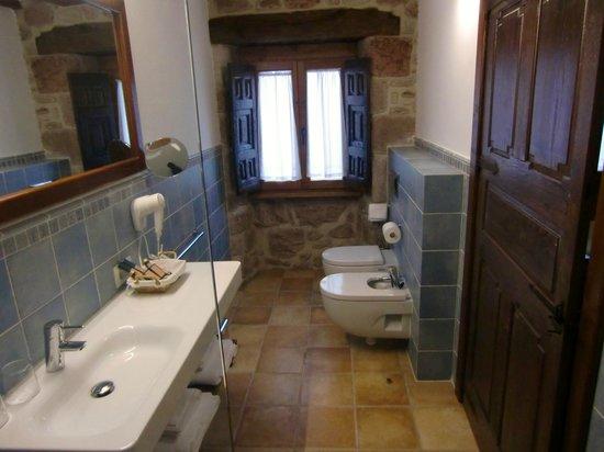 Hotel Rural Latorrién de Ane: Vakre bad