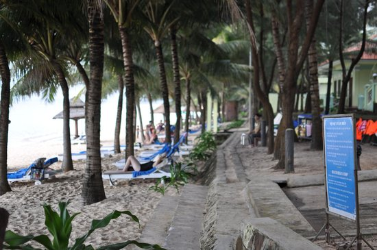 Thien Hai Son Resort: пляж
