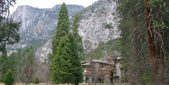 The Majestic Yosemite Hotel : Hotel and grounds