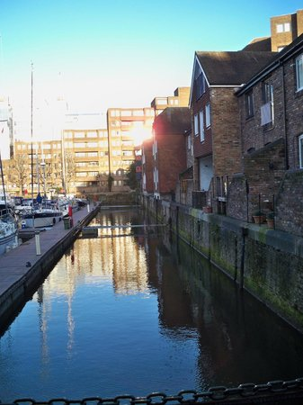 Hamlet UK Ltd. Apartments: Looking back at the apartment