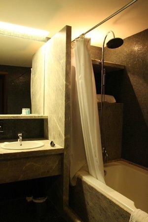 Pousada Mosteiro do Crato: Our bathroom