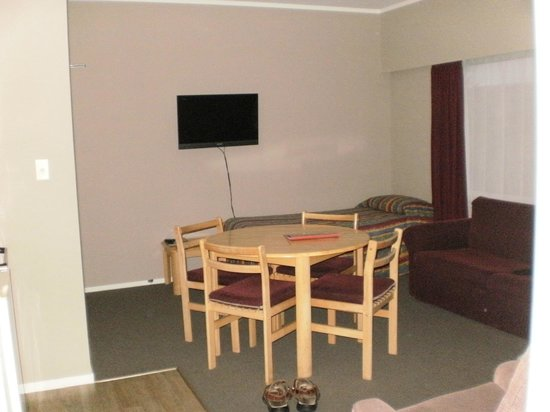 Bayview Motel : Lounge/Dining (no view unit)