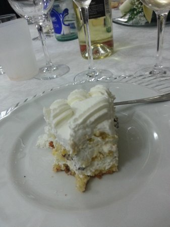 Locanda della Torre Antica: Torta nuziale