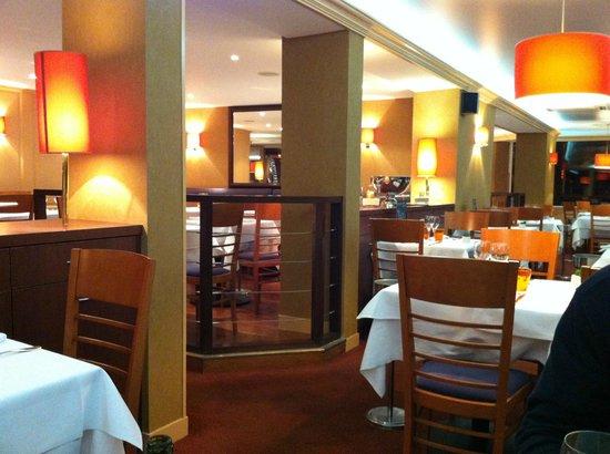 Hotel de la Marine: salle à manger vue du bar