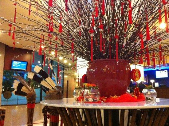 Hilton Kuching: Entry hall