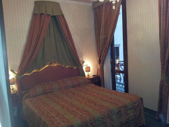 Kette Hotel : Bedroom 225