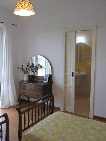 Magnolia B&B: Camera doppia con bagno privato e balcone