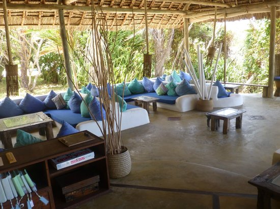 Ras Kutani: The main sitting area adjacent to the bar and dining area
