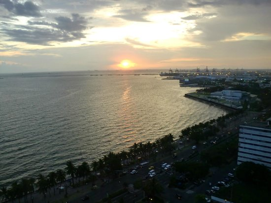 Diamond Hotel Philippines: View