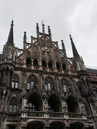 Marienplatz: great architecture