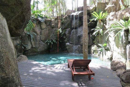 The Farm at San Benito: piscine cascade