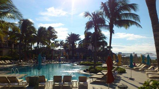 Lido Beach Resort: Pool area