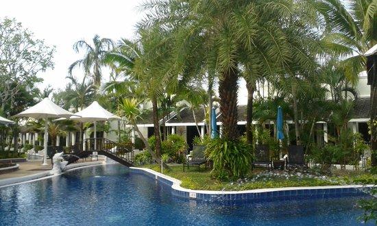 Access Resort & Villas : Front area - near restaurant