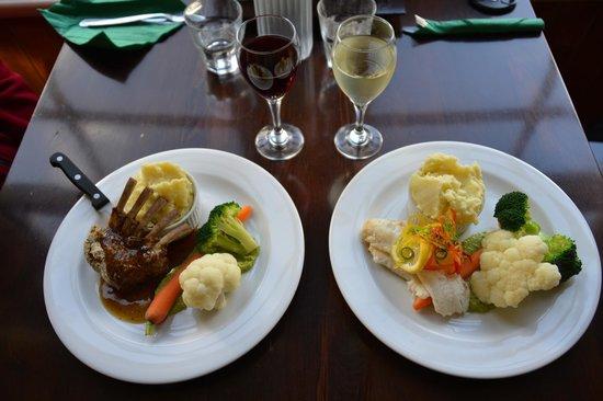 Niagara Falls Cafe: Lamm und Blue Cod