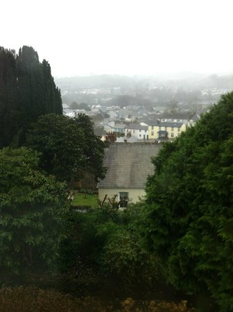 Penrose B&B: Rain over the town, views to hills