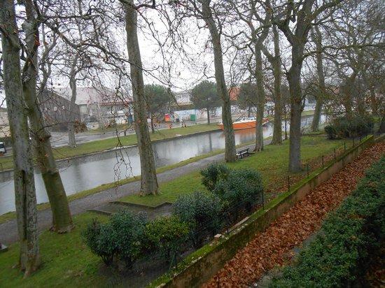 Hotel du Canal: Vista desde la habitación
