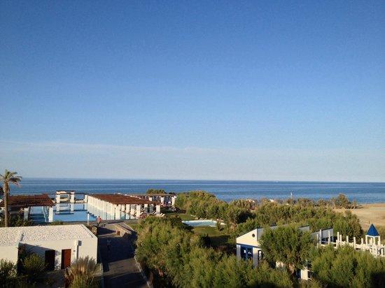Amirandes, Grecotel Exclusive Resort: Вид с балкона номера с видом на море
