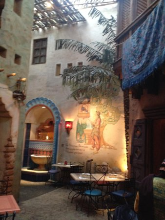 Agrabah Cafe: The hall where we were seated