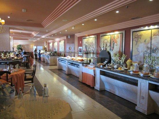Gran Hotel Elba Estepona & Thalasso Spa: breakfast/dinner