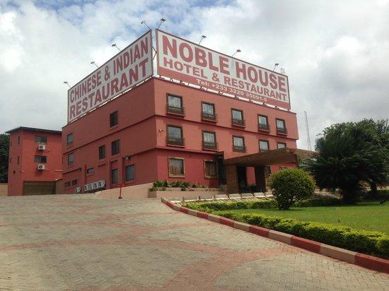 Noble House Hotel : Hotel
