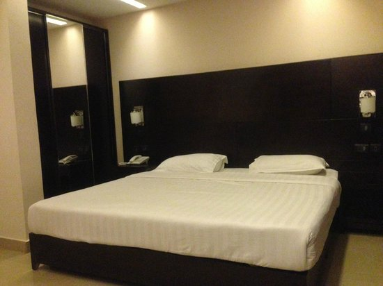 Noble House Hotel : Room