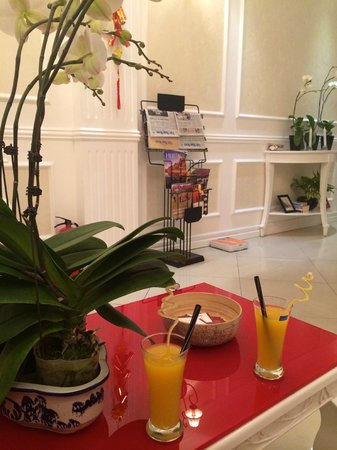 Calypso Suites Hotel: Our welcome drinks
