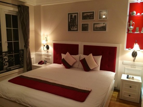 Calypso Suites Hotel: Our room