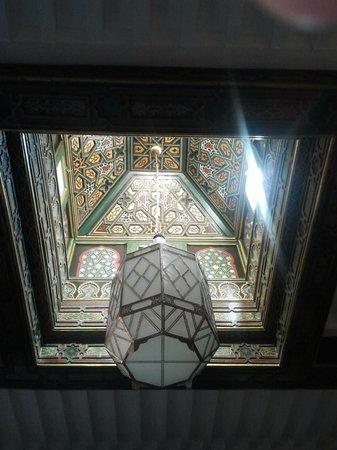 Palais Donab: Vue du lit de la chambre