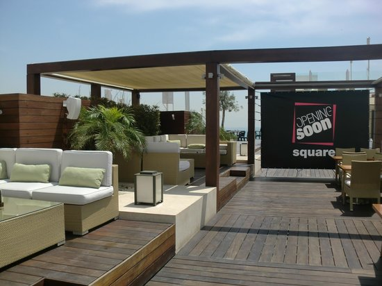 Mövenpick Hotel Beirut : Outdoor bar