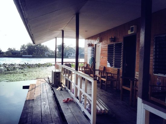 Tamarind Guesthouse : River Room