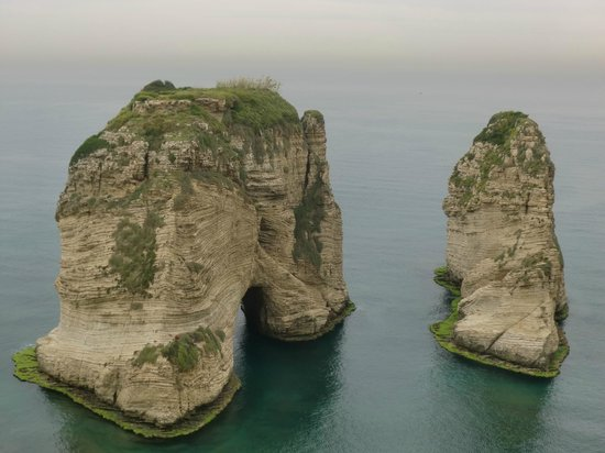 Movenpick Hotel Beirut: Rouche rocks not far away from hotel