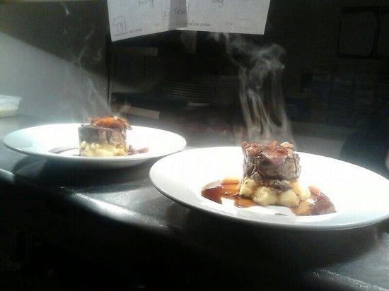 Rhubarb Wellington Place: Beef