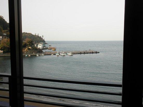 Meijikan: 窓からの風景
