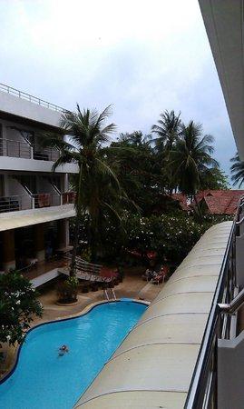 Samui First House Resort: Вид из номера на басс.