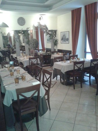 Ristorante Pizzeria Cecco: Saletta interna